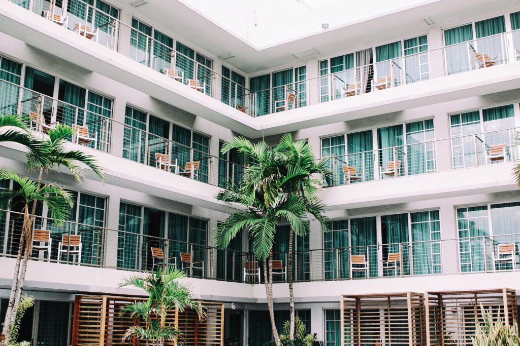 Carbono Gestión y ECO-ONE, transformando el sector hotelero hacia la sostenibilidad.
